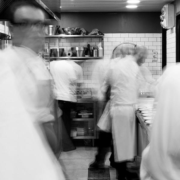 שיעורים במסעדנות - דנון בית הספר למקצועות הקולינריה. סטיבן לובל